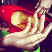 Hand, Hände, Schuh, rot